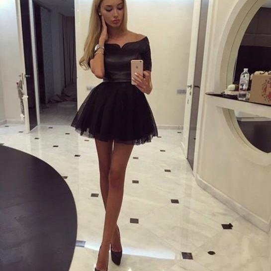 Short Black Prom Dress Gow..